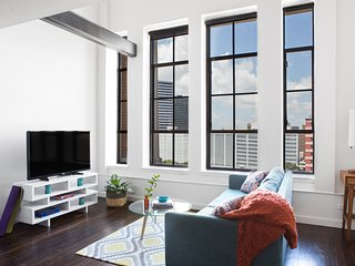 Sonder | The Pythian | 1BR Penthouse + Rooftop