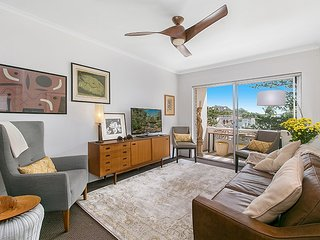 Fantastic location, Steps to Manly Beach MALV1