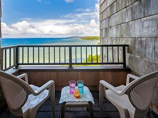 Amazing oceanfront view with private oceanfront lanai, pool, secluded beach