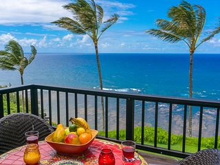 Sealodge C7-oceanfront views, top floor privacy, bright tropical interior