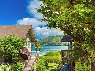 Hanalei Colony Resort E3: Quiet beachfront resort location steps to the sand!