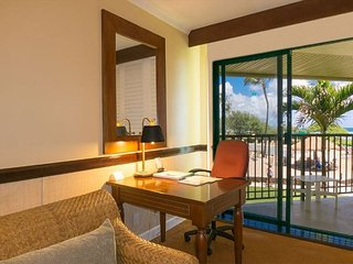 Kauai Beach Resort 4208: Beach side resort with many amenities and low rates!