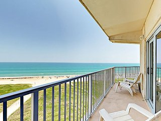 1BR Aquarius Condo w/ Epic Gulf Views - Gated Beach Community w/ Pool & Spa