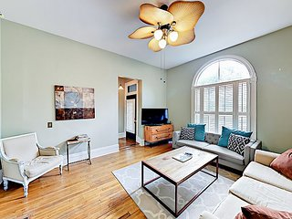 3BR Gorgeous Victorian House, Heart of East Nashville, Sleeps 8