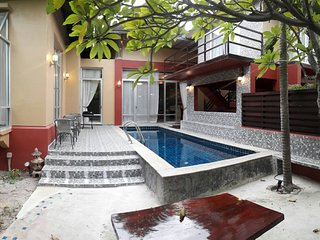New Nagawari 4 Bedroom Pool Villa Sleeps 8