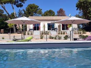 La Londe beau gîte 45m² bleu 4* propriété agricole piscine climatisation wifi