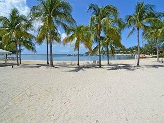 Sea-Esta Beach Front Kaibo Condo