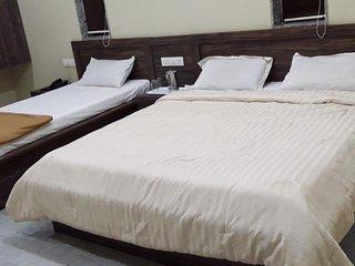 Ambassador Hotel - Deluxe Triple Room 1