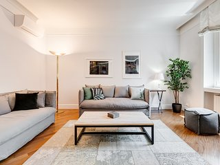 Stunning modern 2 bed flat at the Colosseum