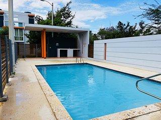Tri-level 2 Bedroom Beach Villa, fully air-conditioned, WiFi, near Combate beach