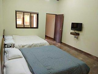 Ambassador Hotel - DELUXE QUADRUPLE ROOM 1