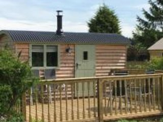 Beautiful Glamping Hut in stunning location with Hot Tub ref#6