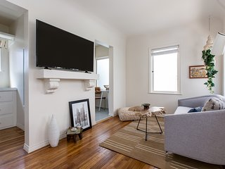 Quaint Studio in Little Italy by Sonder