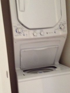 Full washer/ dryer