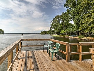 Harris Break Lake Home w/Dock Access - Hunt & Fish