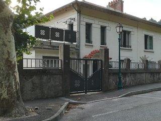 Maison de caractere renovee, centre Ardeche, au coeur d'une cite thermale