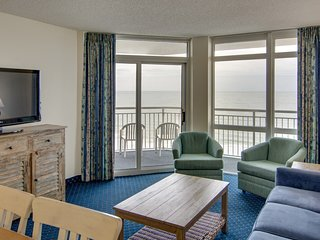 Oceanfront Suite for 10 + Balcony | Fun Indoor Water Features On-Site!
