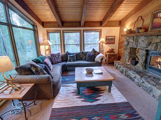 Keystone Gulch Cabin 1668 Garage, BBQ only 2 miles from the ski slope By SummitC