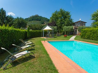 La Cascina TYPICAL TUSCAN COUNTRY HOUSE WITH PRIVATE POOL AND GARDEN