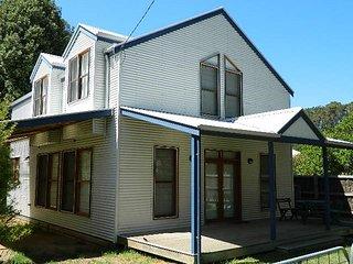 YACHT HOUSE - Port Fairy