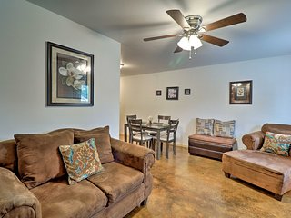 NEW! Cozy Apt- Walk to Downtown Conway/Near Lakes!