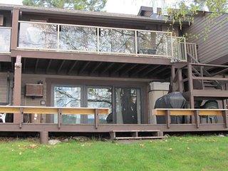 NEW LISTING! Lakefront getaway w/shared pool, hot tub, sauna & easy lake access