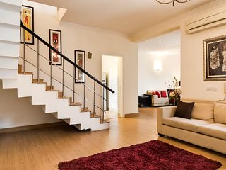 Yahvi-Luxury Duplex Apartment near Medanta/NH8