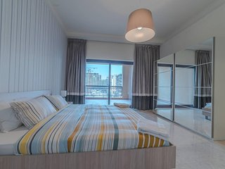 Dubai Holiday Apartment 12073