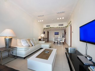 Dubai Holiday Apartment 10576