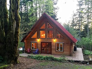 Mt. Baker Lodging – Cabin #21 – REAL LOG CABIN, BBQ, PETS OK, SLEEPS-6!