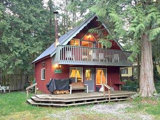 Mt. Baker Lodging – Cabin #63 – HOT TUB, BBQ, PETS OK, WIFI, W/D, SLEEPS-6!