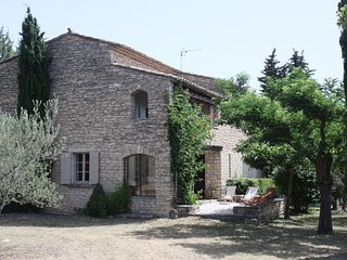 Gordes Holiday Villa 11822