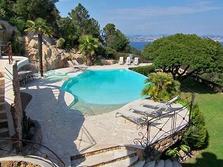 Theoule-sur-Mer Holiday Villa 12795
