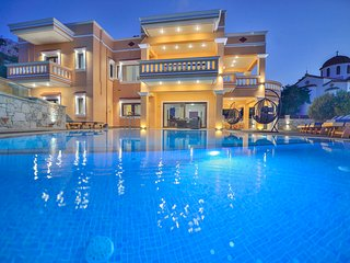 7 bedroom villa Grand Olympia with seaview, private pool/Ideal for big groups