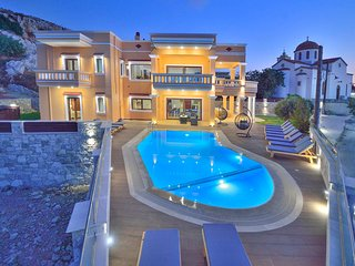 Villa Grand Olympia/ Seaview, private pool, ideal for a group