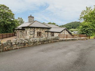 GLANLLYN LODGE, grade II listed, Bala Lake