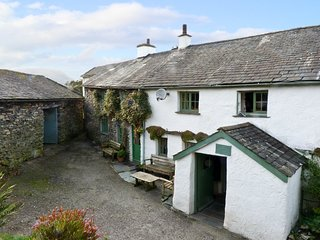 HIGH ARNSIDE, family-friendly character cottage, near Coniston
