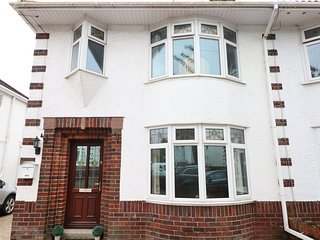 Bramlea, ideal for families, homely retreat, near Cardiff