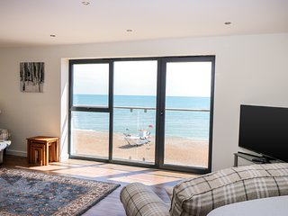 5 SHORE, balcony with beach views, luxury apartment, open-plan living