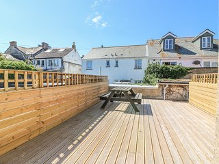 FLAT 1, stylish open-plan living, in Penzance