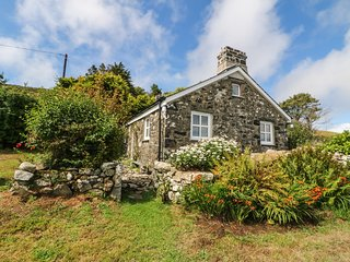 CONION GANOL, panoramic views, 1800's cottage, near Aberdaron