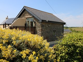 OAK COTTAGE, Dog Friendly, near Tregony