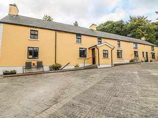 MOYNE HOUSE, working farm, in Tinahely