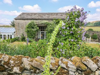 THE GARDEN ROOMS, period style, woodburning stove, near Austwick, red 956381