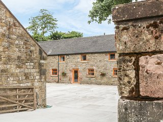 MORRIDGE VIEW, barn conversion, near Leek
