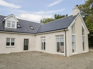 P'LACE OF GLASSAUGH, high-quality interior, WiFi, Portsoy 2 miles, Ref 971117