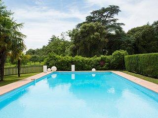 Saint-Soulan Chateau Sleeps 21 with Pool - 5504711