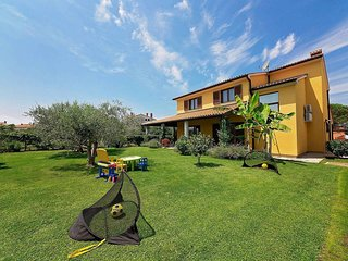 4 bedroom Villa in Valbandon, Istria, Croatia : ref 5657098