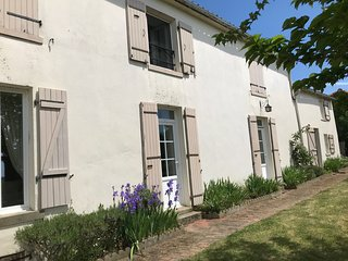 Stunning Farmhouse, private pool near Puy de Fou, free use of bicycles