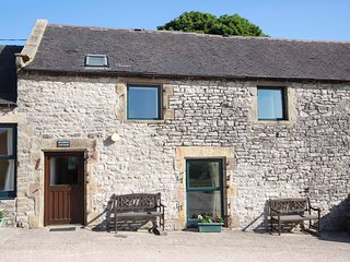 BLUEBIRD COTTAGE, family friendly, country holiday cottage, with a garden in Par